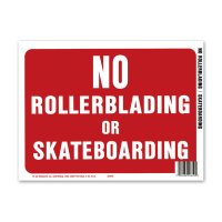 NO ROLLERBLADING or SKATEBOARDING (スケボー禁止)