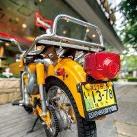 【50cc〜125cc】 MOONEYES ライセンス プレート フレーム for スモール モーターサイクル ブラック