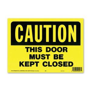 画像: CAUTION THIS DOOR MUST BE CLOSED (警告、このドアは閉じなければなりません)